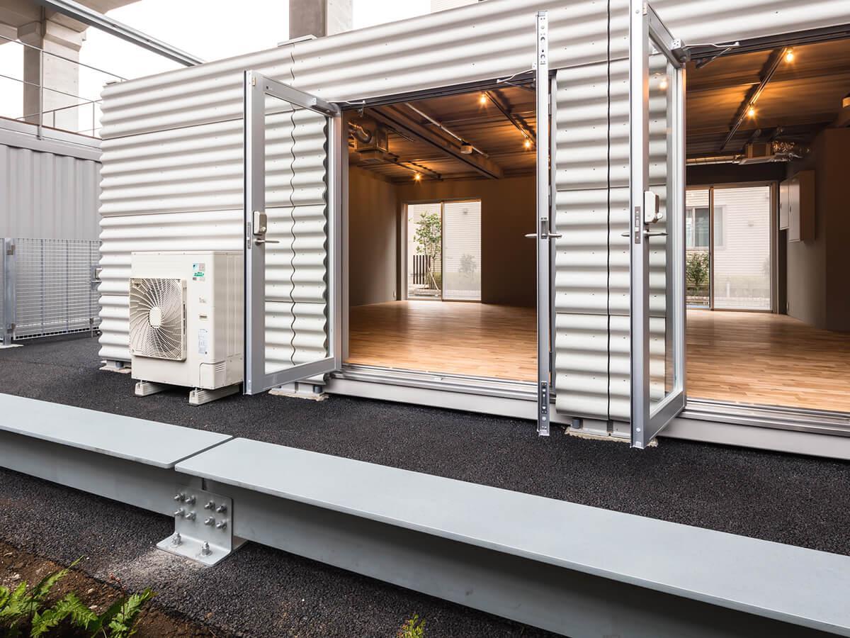 C棟D棟は独立型。トイレや会議室はA棟を利用します。(写真:山内紀人)