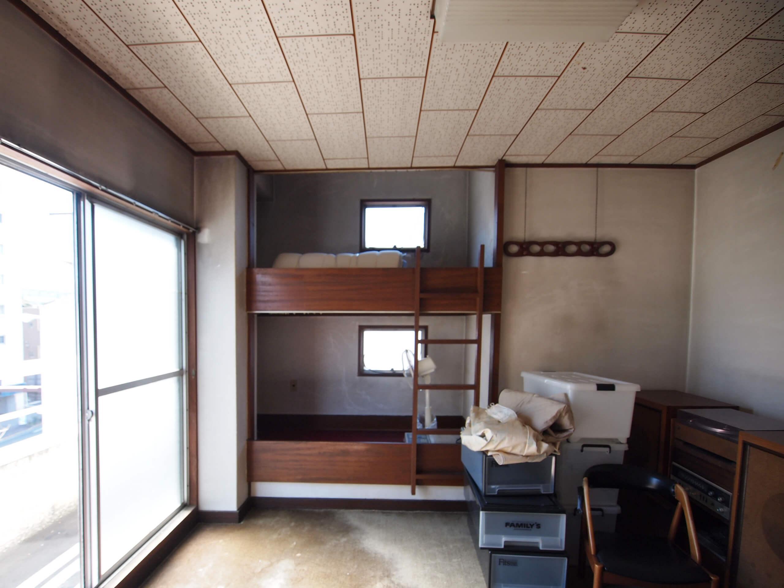 【4階】造作で2段ベッドがつくられている