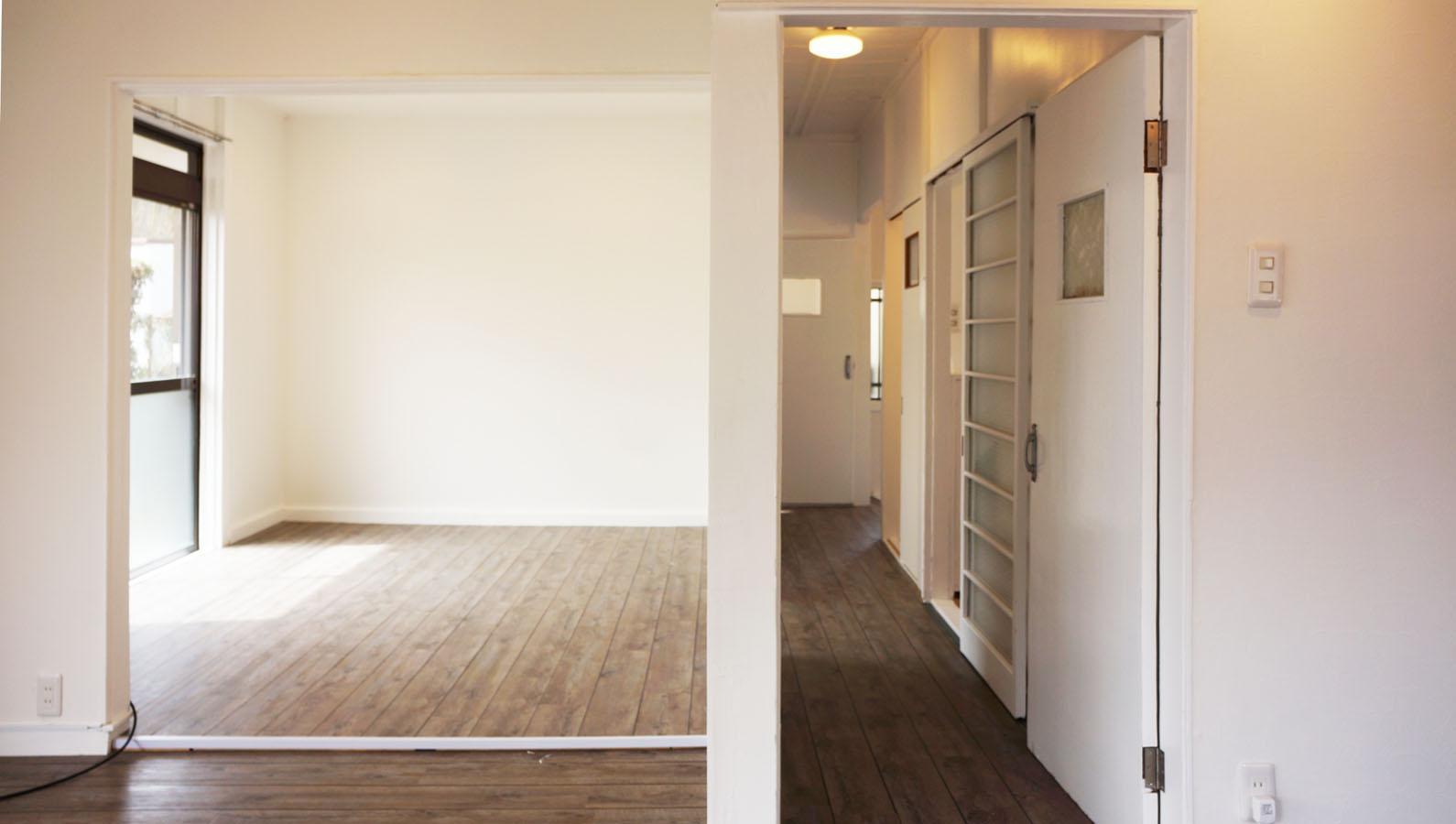 左側の空間は洋室の引戸が取られ、リビングダイニングとつながっています