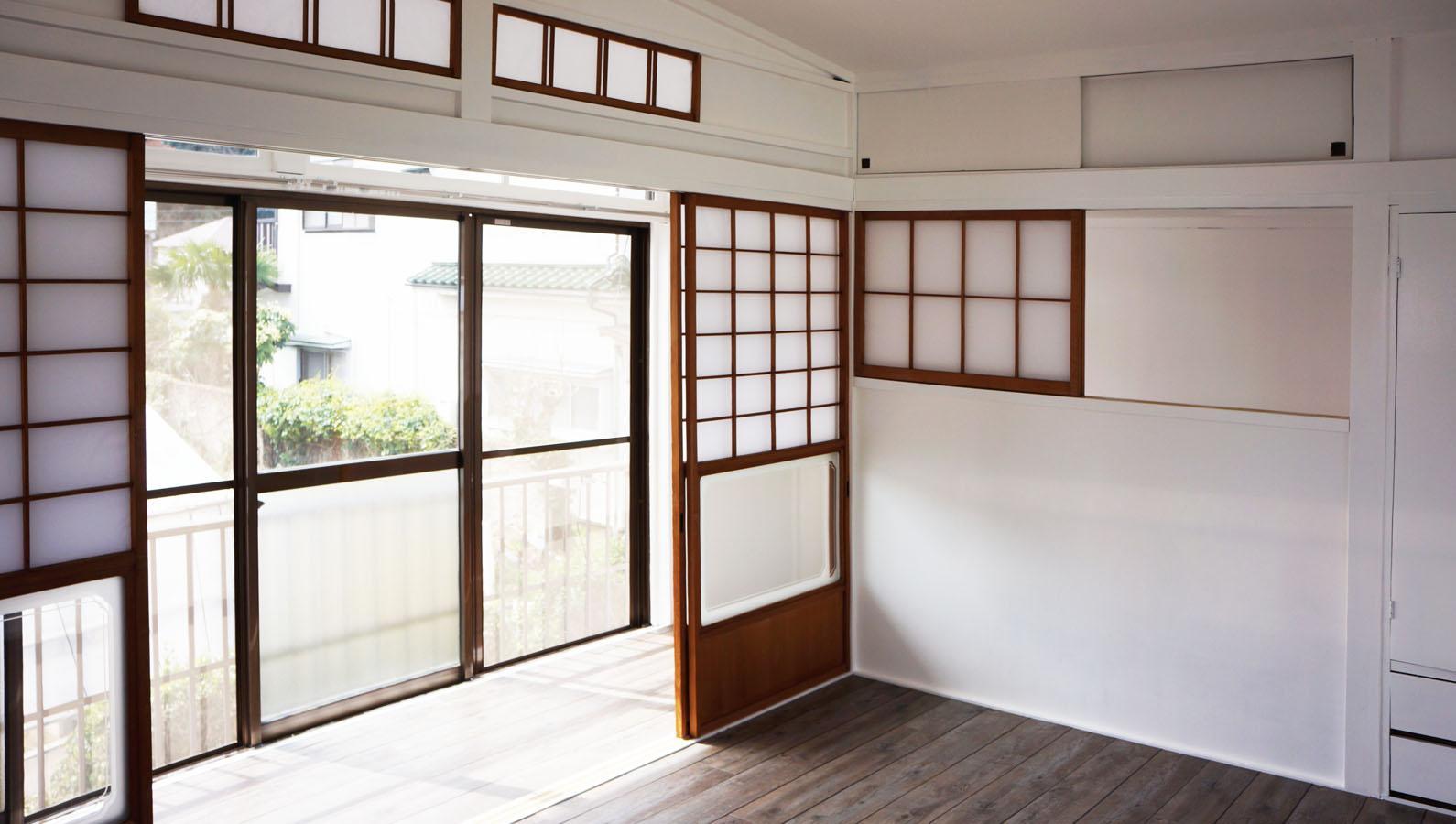 切妻屋根と梁型と広い庭 (横浜市金沢区釜利谷東の物件) - 東京R不動産