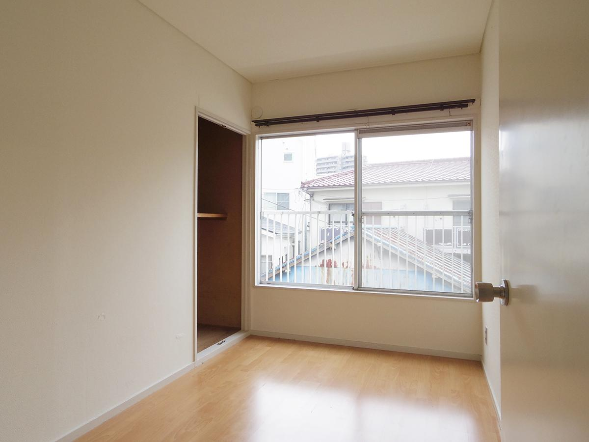 2階、3畳の洋室