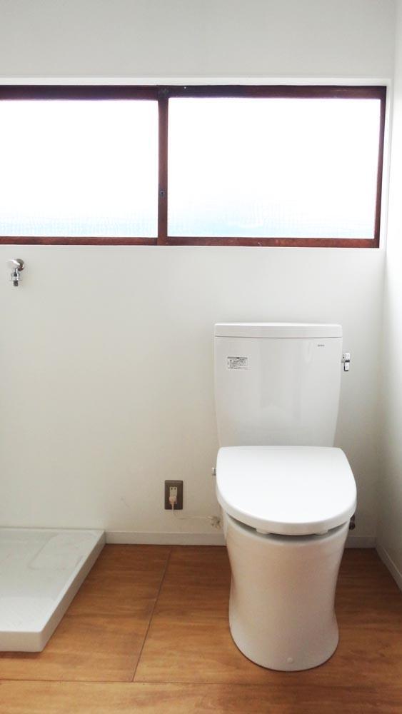トイレは洗面と洗濯機置き場と同じ空間