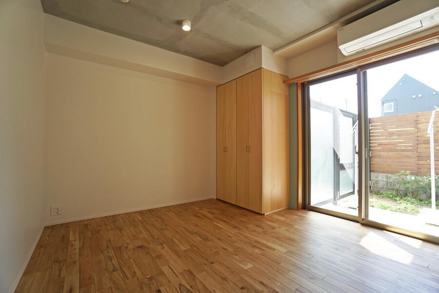 洋室1の収納はちょっとコンパクト。荷物が多い方は収納を増やしたり、洋室2を使えばよさそう