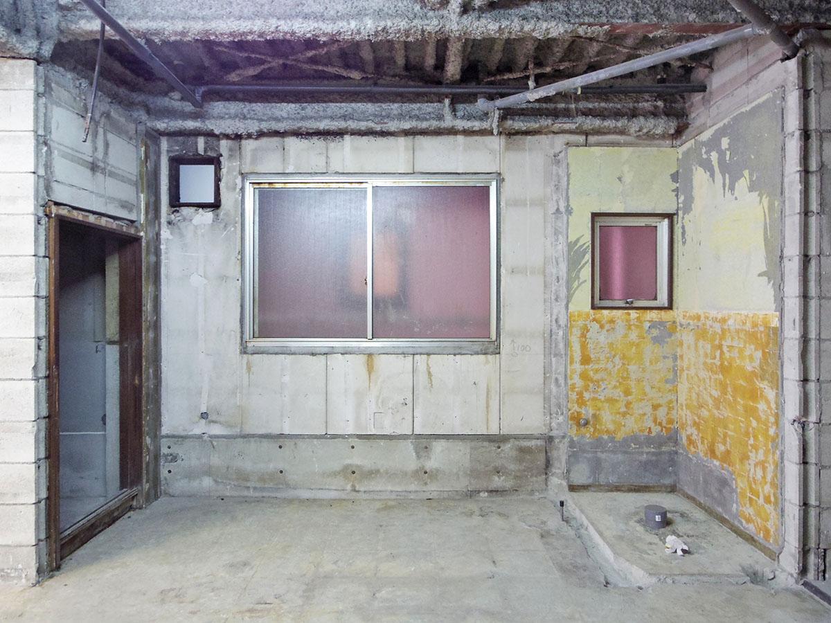 右側の角のスペースが元トイレ