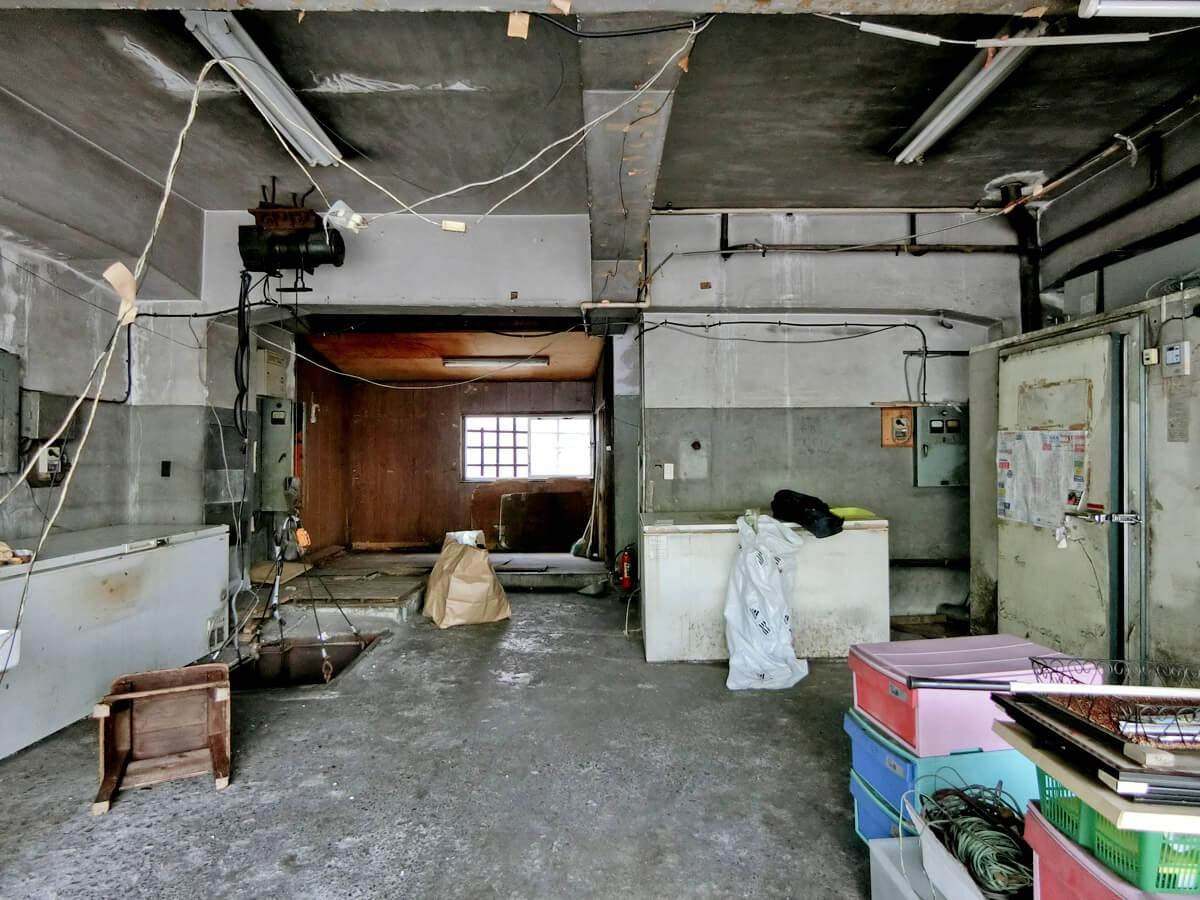 1階:室内の残置物はそのままで引き渡し