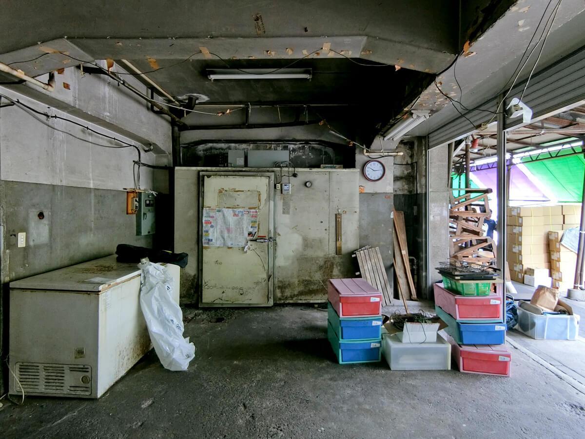1階:冷蔵庫がたくさん