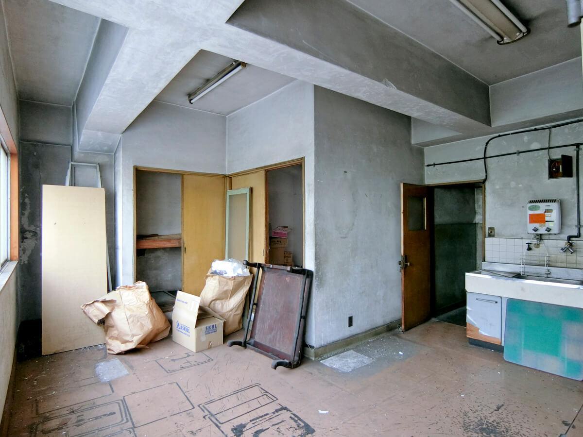 2階は天井高2.8m程。梁下は2.4mくらい