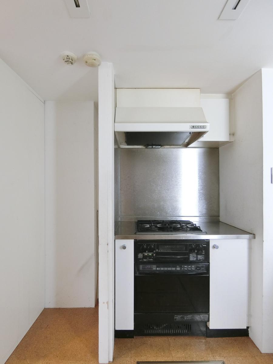 地下1階:オーブンは故障しています