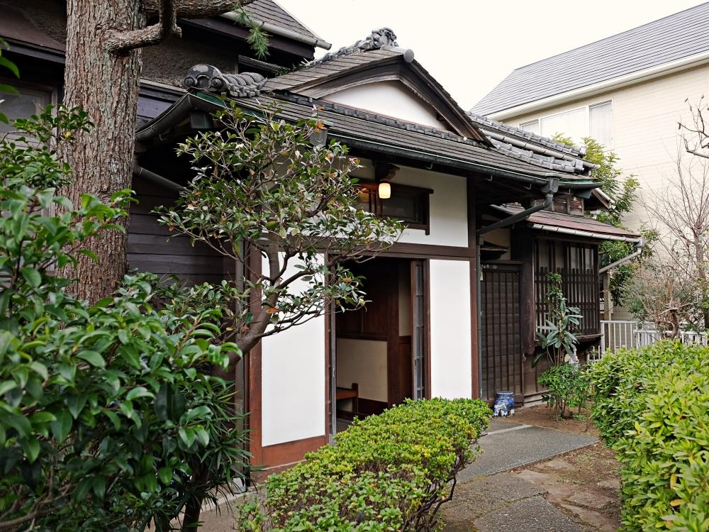逗子市桜山の住宅地にひっそり残っていた和洋折衷の平屋