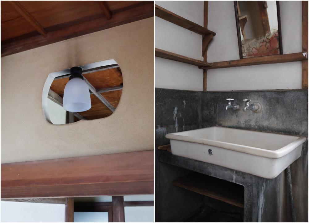 乳白ガラスの照明。陶器の洗面台。年代物だらけ