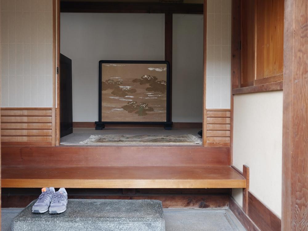 大玄関。お客様を迎える玄関として
