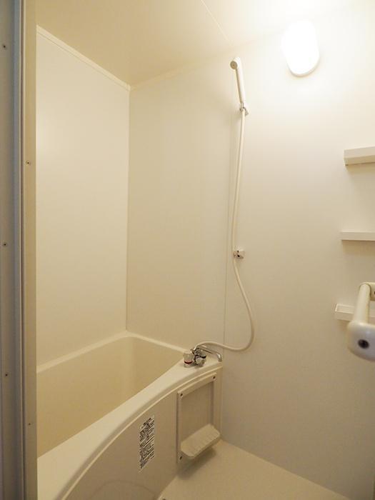 浴室も新しく交換したばかり。サイズが少しコンパクト