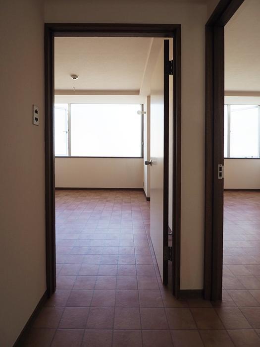 廊下から一続きな床がいい感じ