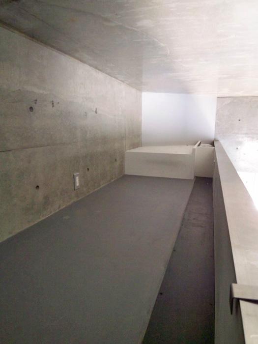 【008・005号室/ロフト】低め。収納スペースやベッドスペースにいい