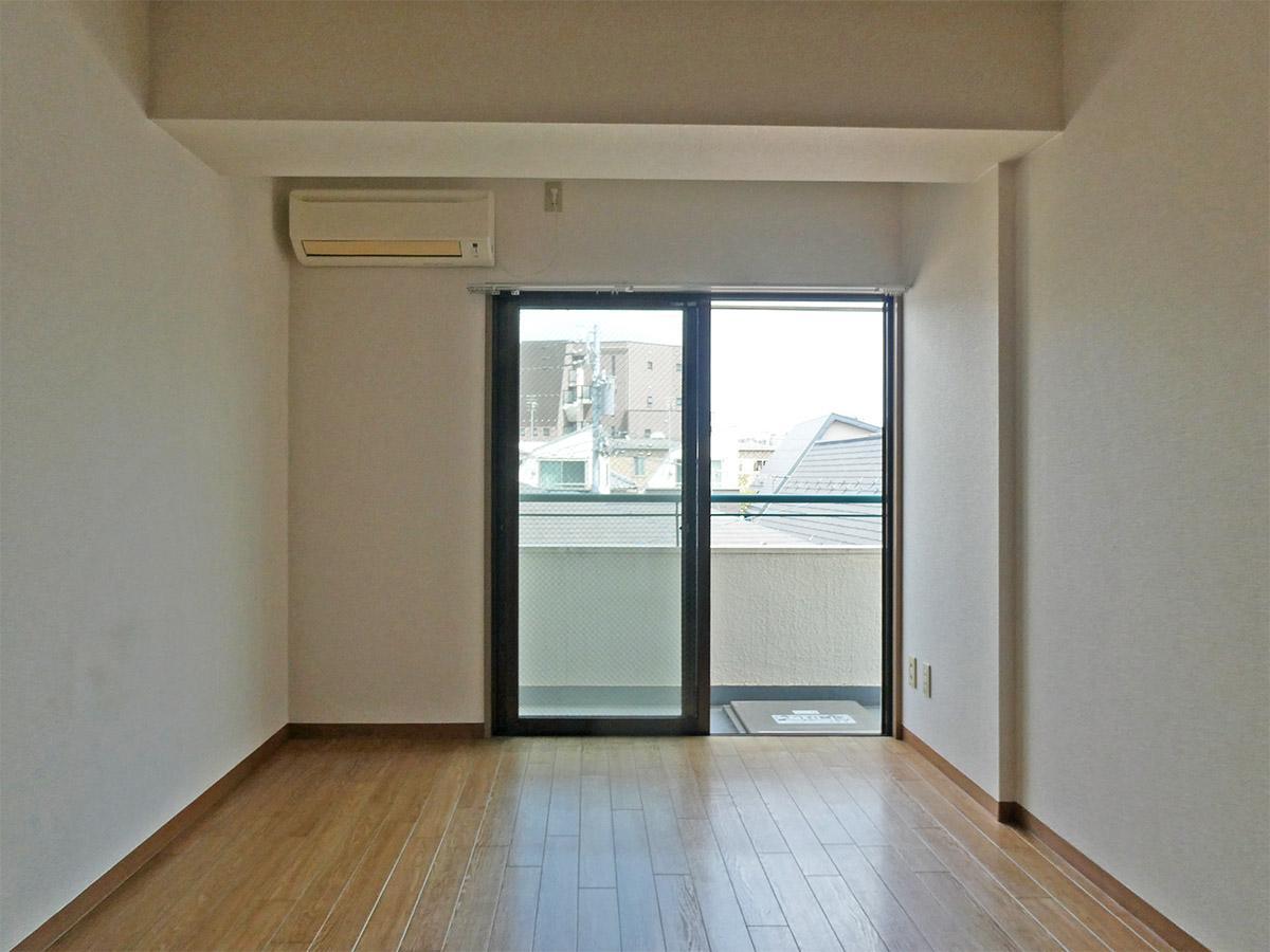 7畳の洋室:窓方向