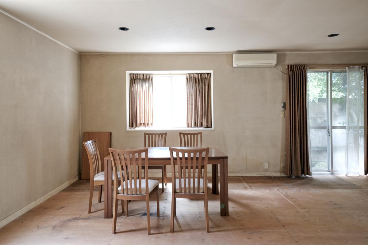 1階:壁を白く塗装するだけでもかなり印象が変わりそう