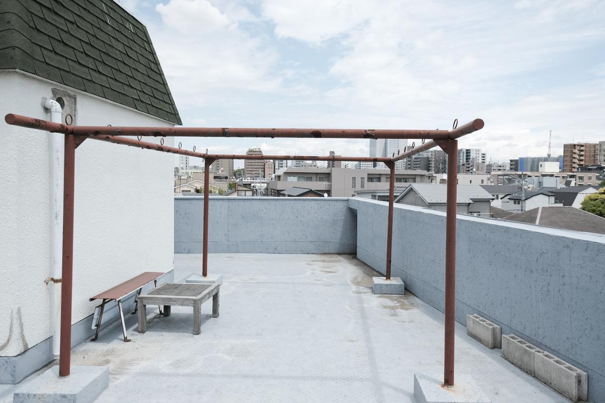 屋上:物干しは撤去して家庭菜園などをつくり、居心地がよくなる予定