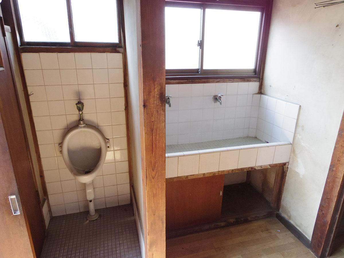2階の水回りはずっと使われておらず、使用不可
