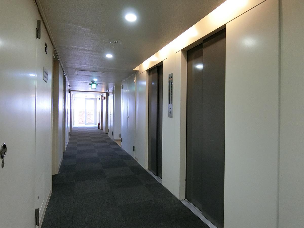 2階の内廊下。ホテルのような雰囲気