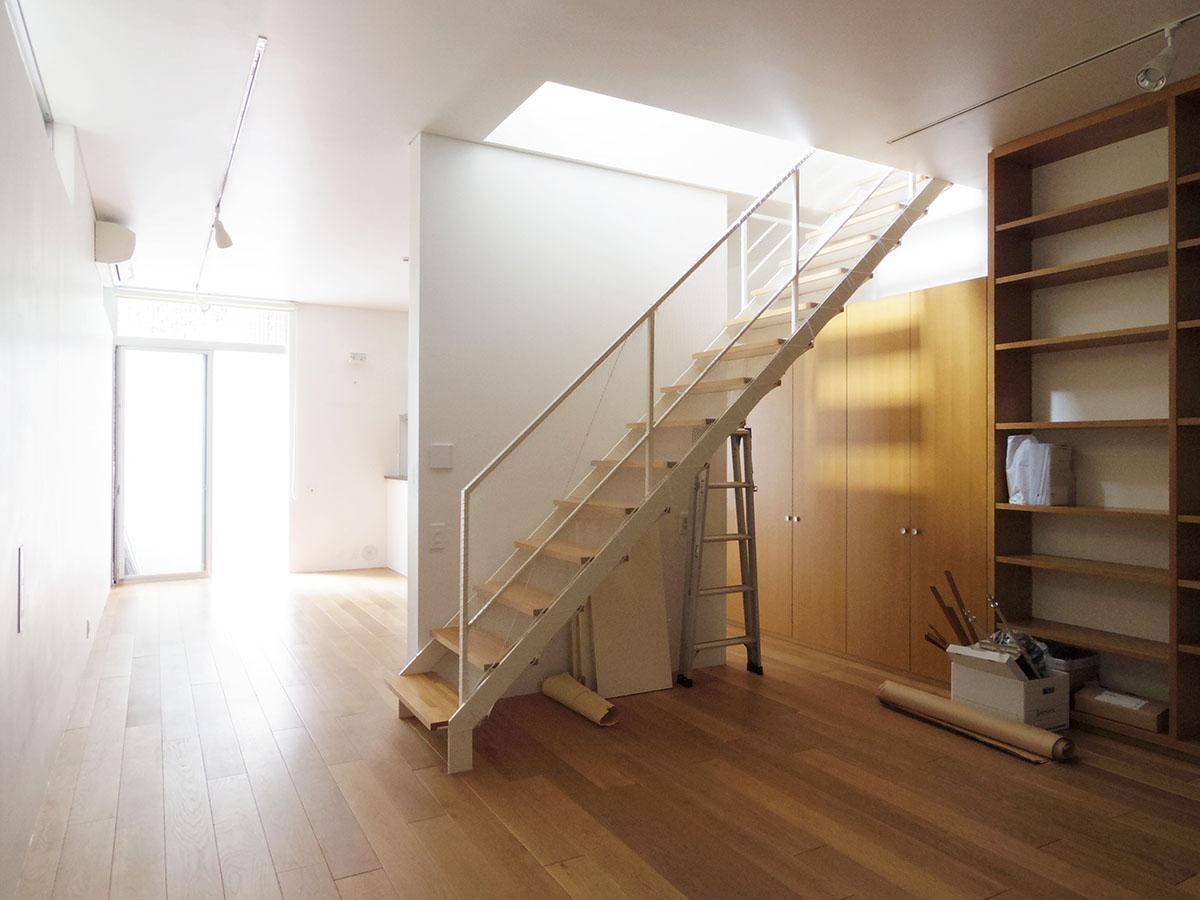 天井が高く、まるでギャラリーのような空間