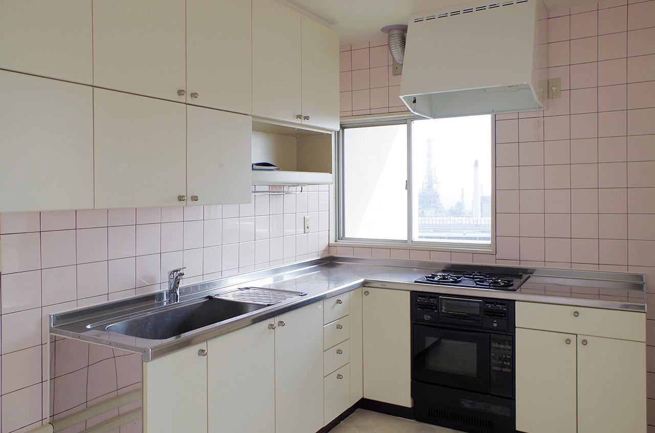 キッチンはL字型で広くて使い勝手良さそうです
