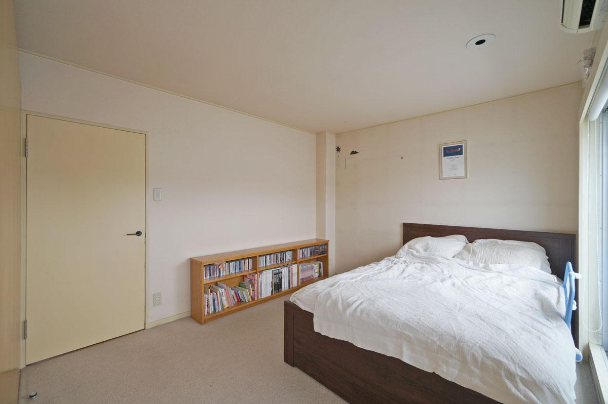 北東の寝室はリノベーションで2つに分けることもできそう