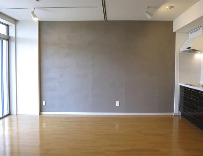 壁は独特の質感で、高級感ある仕上がり。