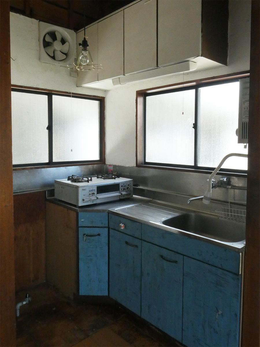キッチンは古いですが汚いわけではありません