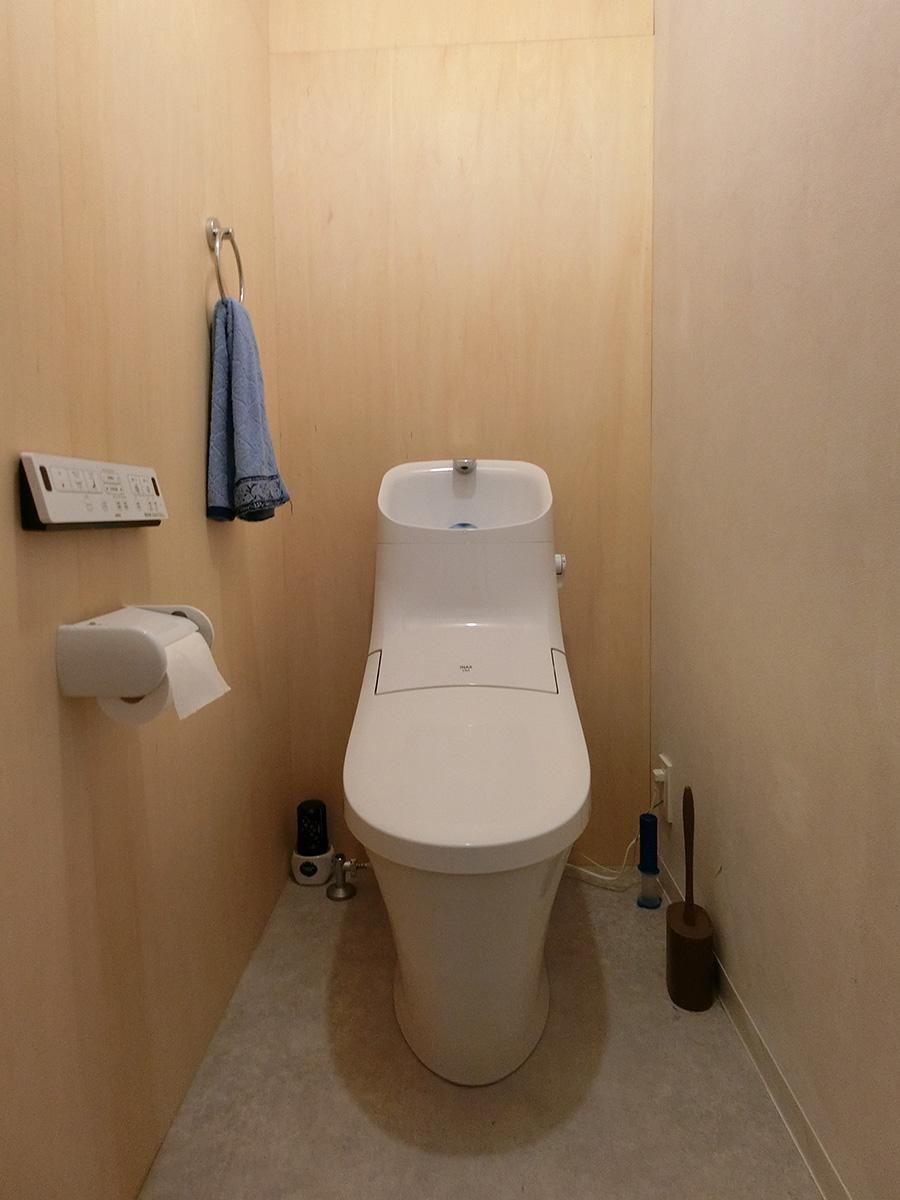 トイレは1階と2階に一つずつ、全部で二つあります