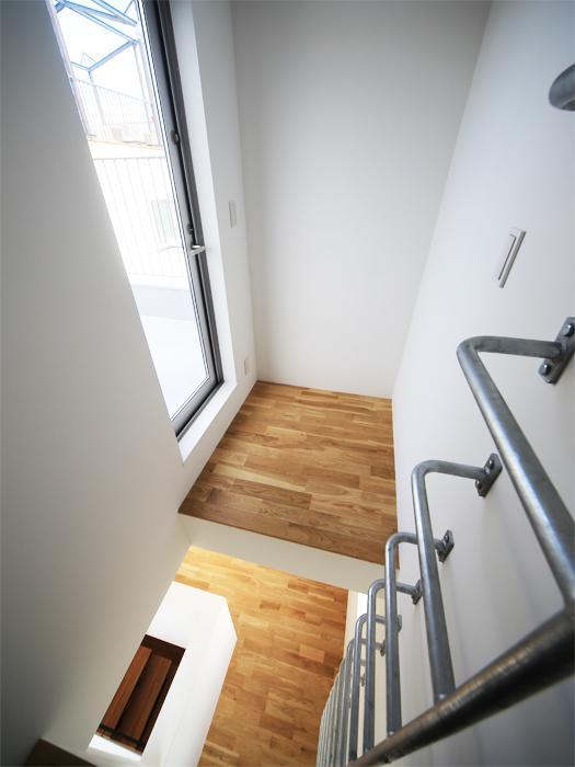 ハシゴを登ると塔屋スペース(写真は竣工時のもの。写真:安川千秋)