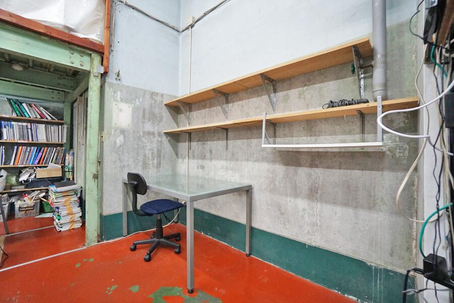 シェアオフィス2は棚もあります