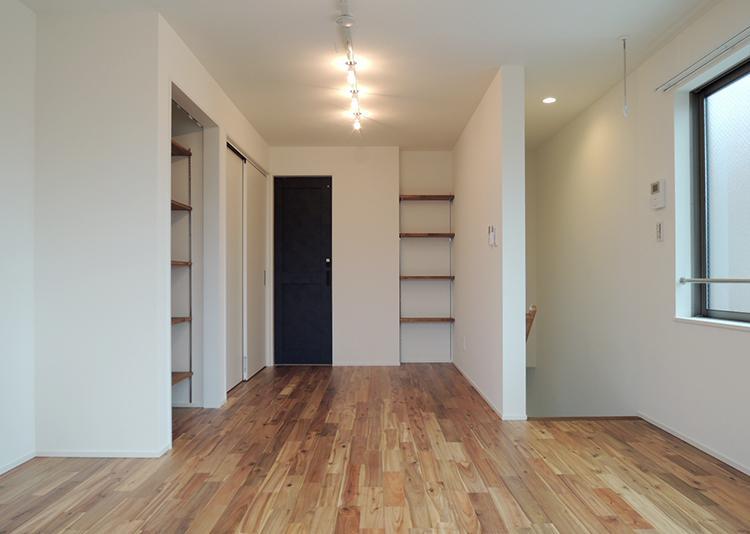 2階B号室 他のワンルームよりやや収納が多め