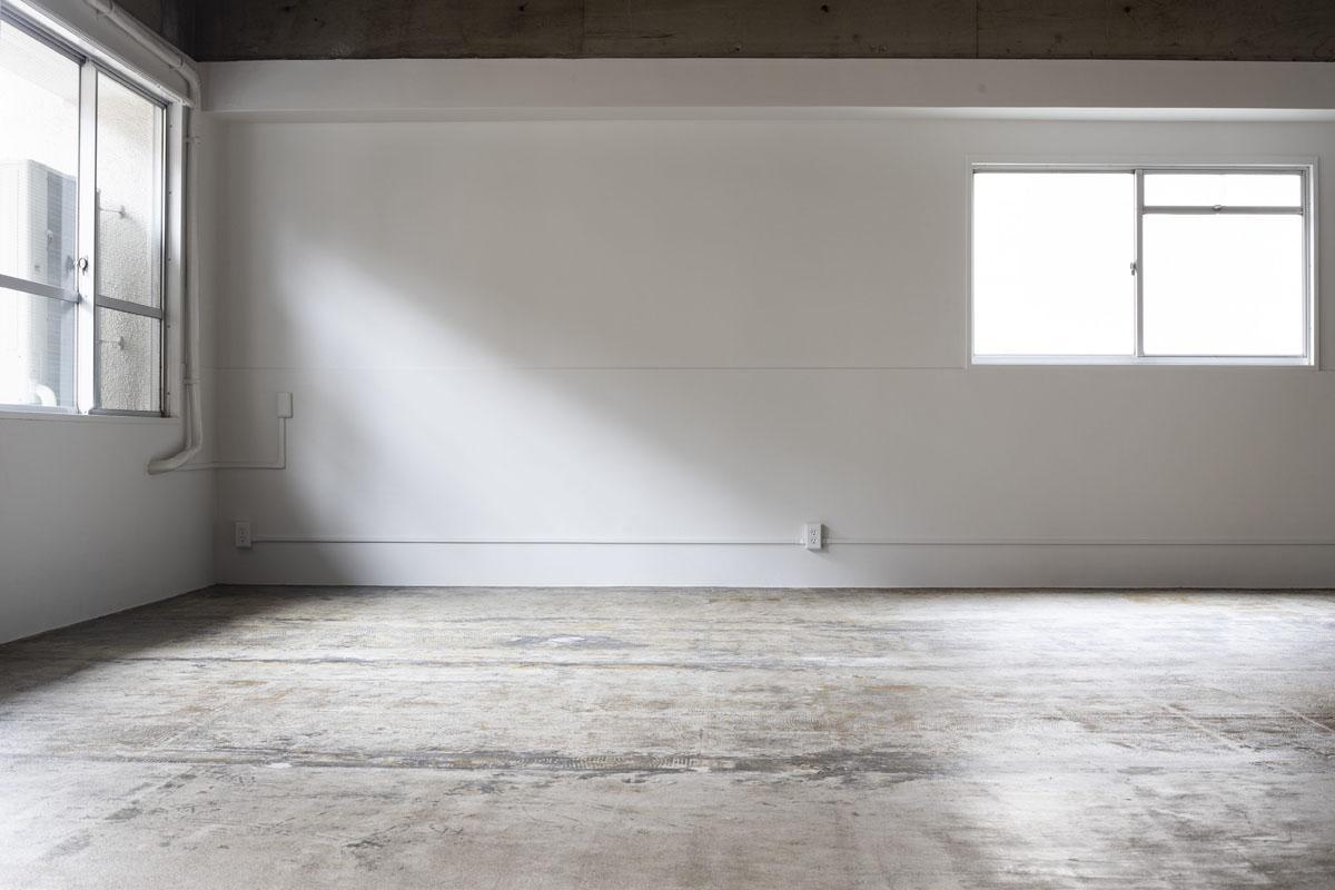 白壁部分の配管は、うるさくなりすぎないように白く塗りつぶしています