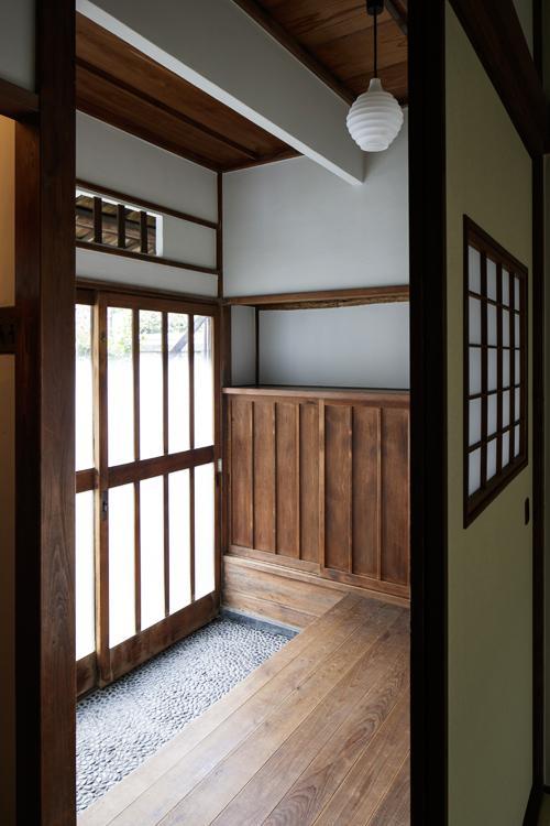 趣たっぷりの玄関 ©Akira Nakamura