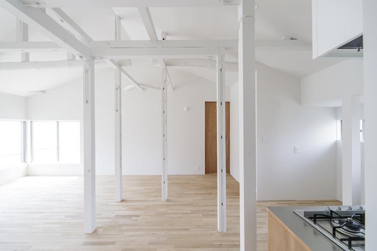 天井高3.5m、白の異空間 (杉並区永福の物件) - 東京R不動産