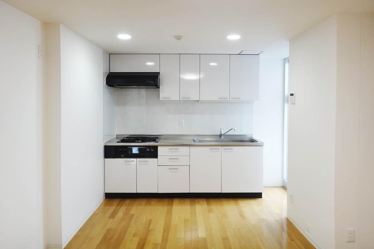 ダイニング・キッチンは約11.4畳。緩やかにリビングと分かれています