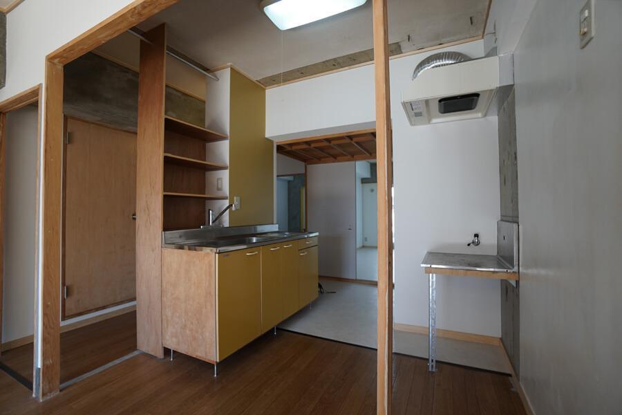 キッチンは柱が家具の配置の手がかりになっています