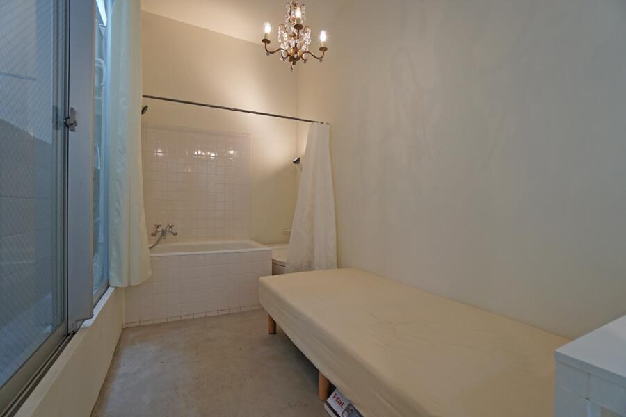Room 08:部屋全体が浴室のような雰囲気