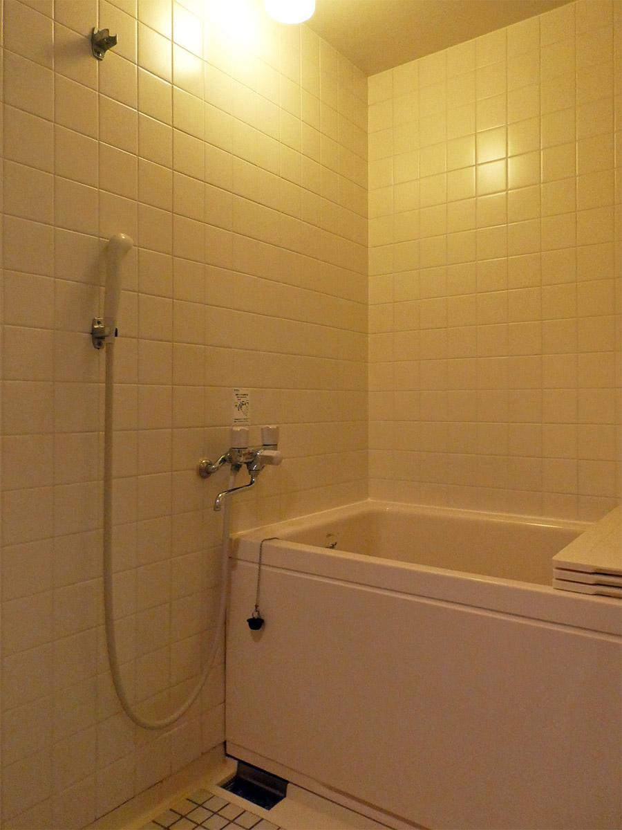 浴槽が深く、追いだきつき