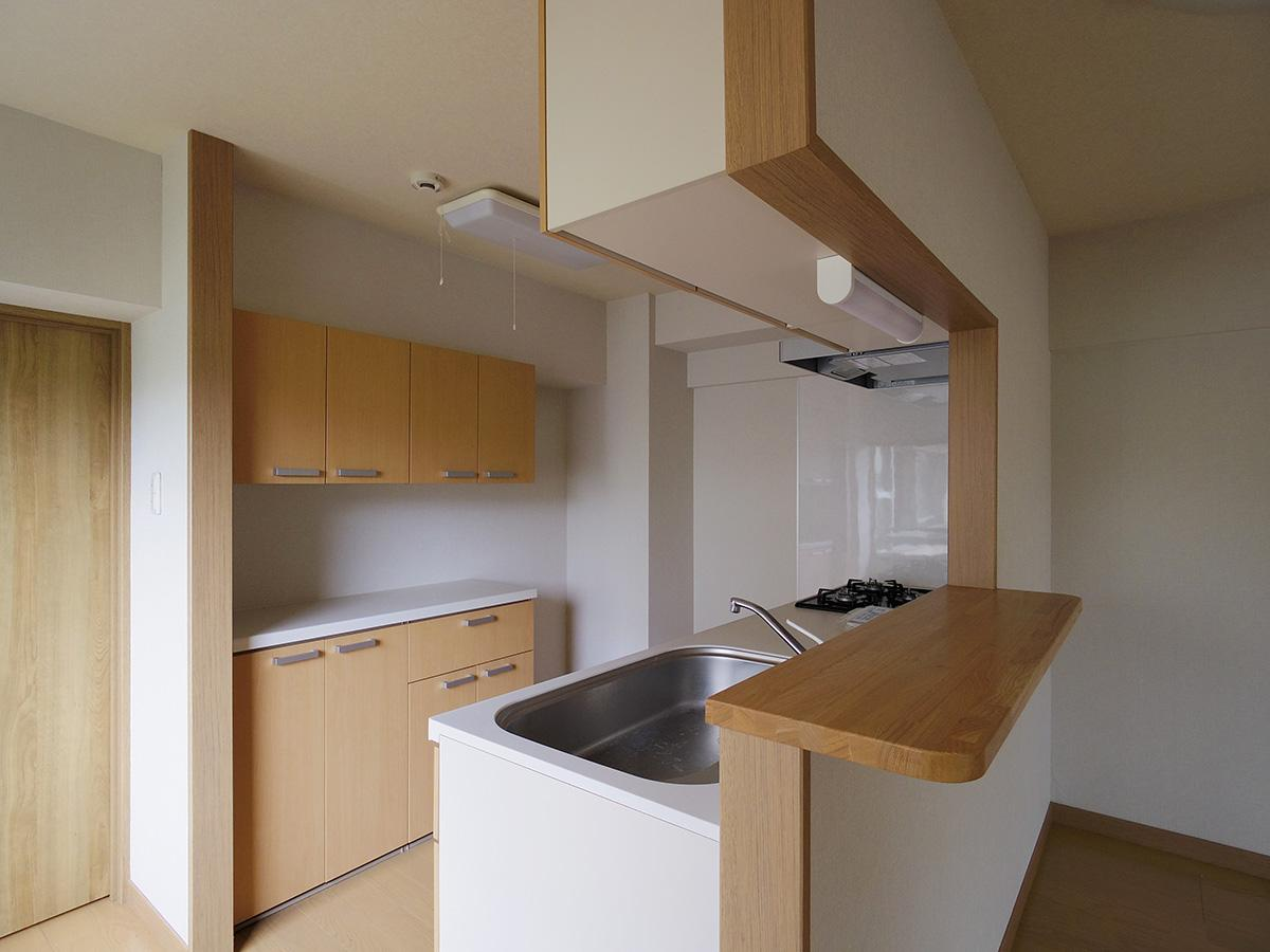 ゆったりとしたキッチンスペース。収納がたくさん
