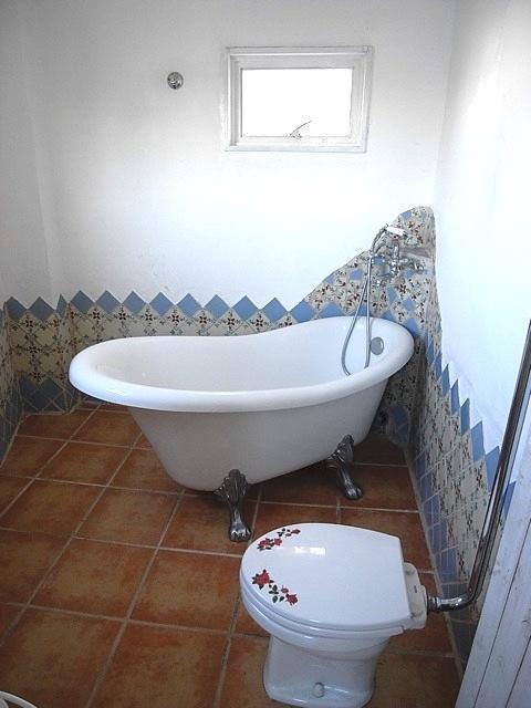 猫足のバスタブ!トイレは同室