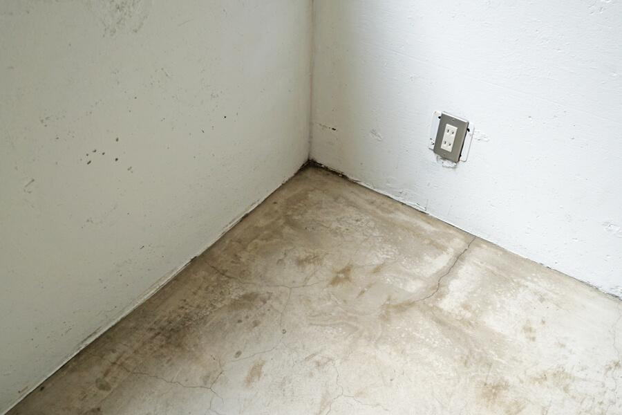 床の仕上げはこんな感じ。味のある仕上がり
