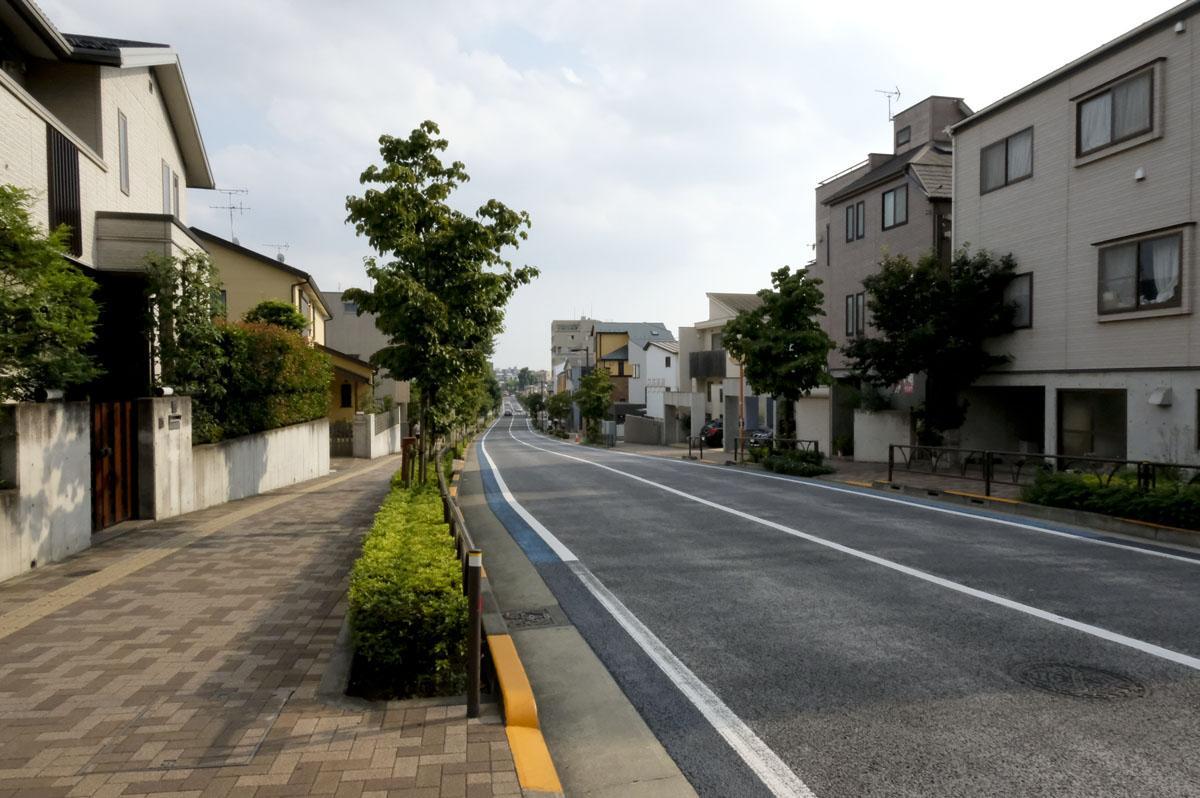 落ち着いていて、緑も多いこの通りは、近隣の住人の方からも評判