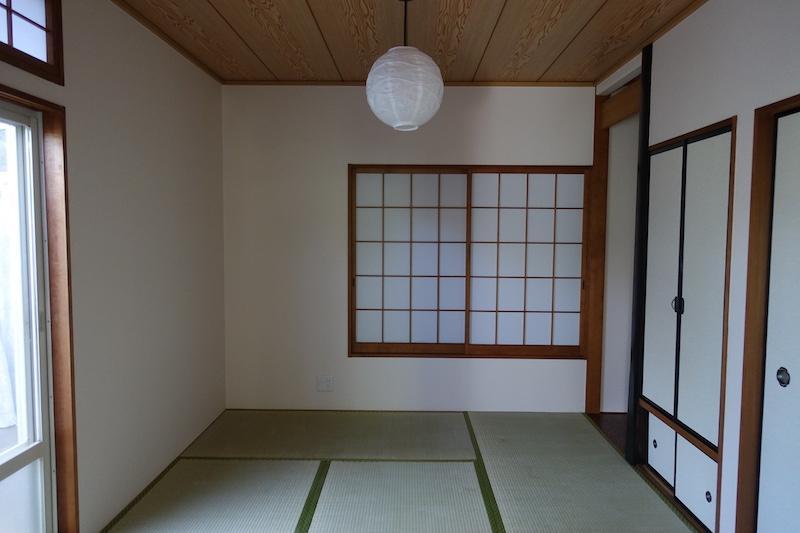 リビングダイニングの横の和室