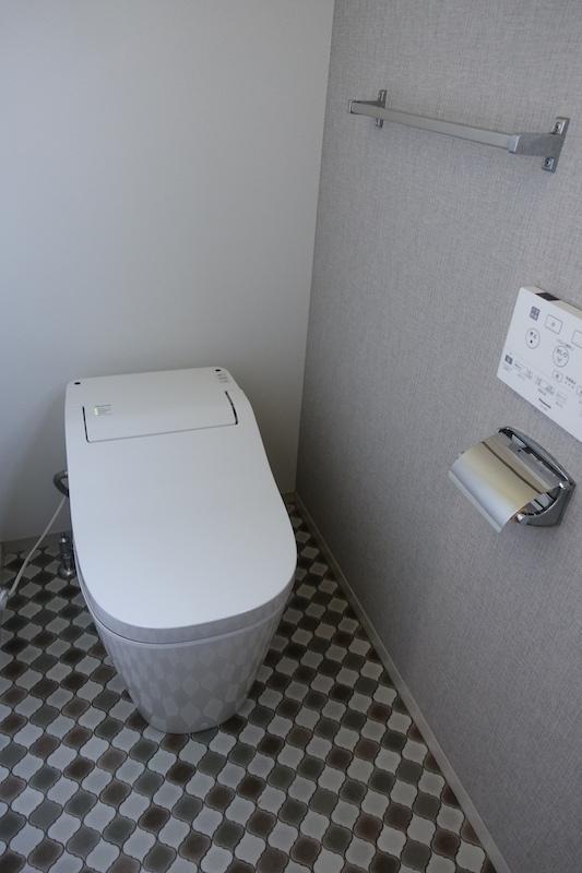 トイレは1階と2階、どちらも新規交換済み