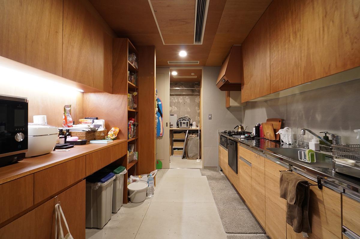約6.2畳もあるキッチンは広々としていて数人で立っても邪魔になりません