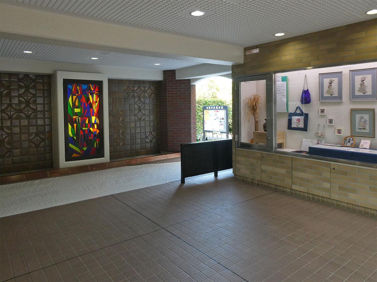 共用部では住民の作品が展示されている
