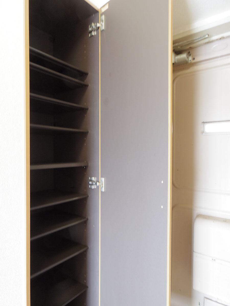 玄関の靴箱