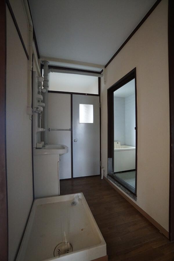 洗面所等は位置は変わりませんが、新しくなります