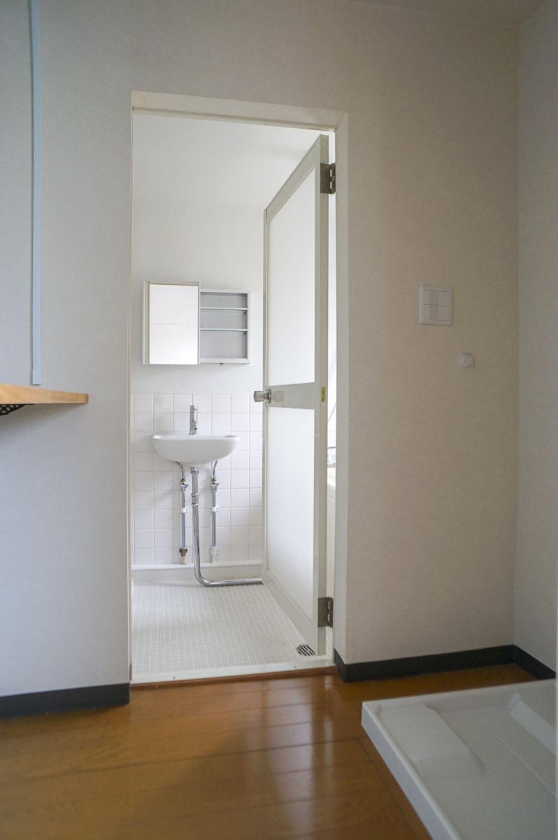 302号室:脱衣室から浴室